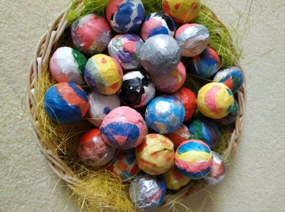 Velikonoční vajíčka ze sádry